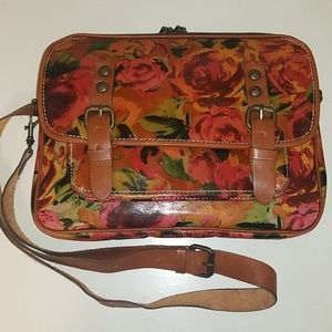 🌹Patricia Nash Red Floral Crossbody